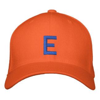 Casquette réglable décoré d'un monogramme d'E Casquette Brodée