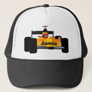 Casquette Voiture de course jaune de voiture à moteur gonflé