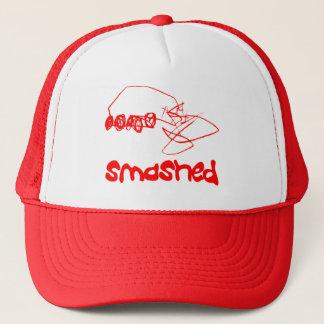 Casquette Voiture écrasée rouge heurtée de chapeau de