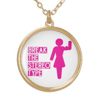 Cassez le stéréotype collier plaqué or