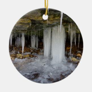 Caverne congelée ornement rond en céramique