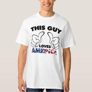 Ce type aime l'Amérique T-shirt