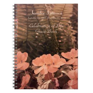 Célébration de livre d'invité de la vie, fleurs en