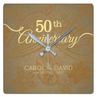 Célébration du cinquantième anniversaire. Dentelle Horloge Carrée