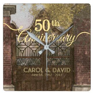 Célébration du cinquantième anniversaire. horloge carrée