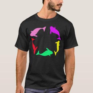 Cercle d'orque sur le T-shirt noir