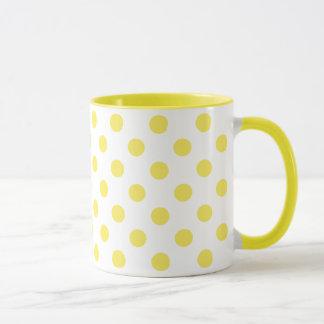 Cercles jaunes de pois de maïs mug