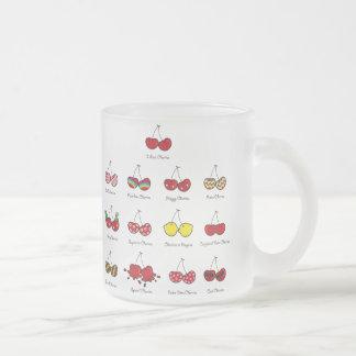 Cerise rouge effrontée drôle comique de cerises mug en verre givré