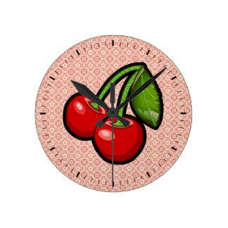 Cerises sur la fleur horloge ronde