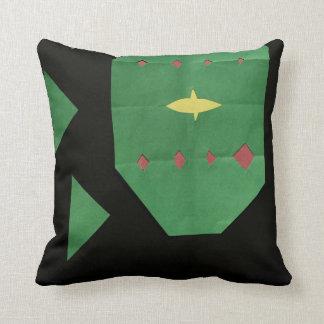 C'est petit un oreiller noir et vert