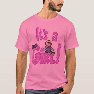 C'est un T-shirt de maternité de fille
