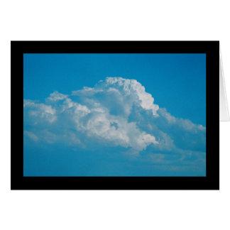 Chanson pelucheuse de nuages de blanc de carte