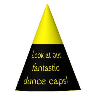 Chapeaux De Fètes Regardez nos casquettes de cancre fantastiques !