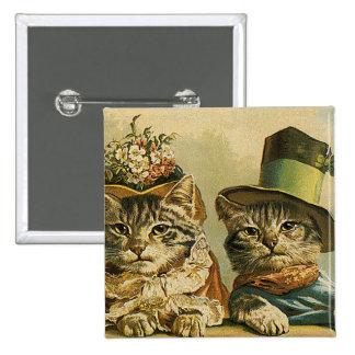 Chats victoriens vintages dans des chapeaux, badges avec agrafe