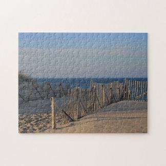 Chemin à travers les dunes pour emballer la plage puzzle