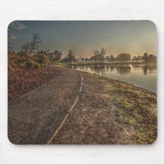 Chemin de Lakeside à l'aube 1 Mousepad Tapis De Souris