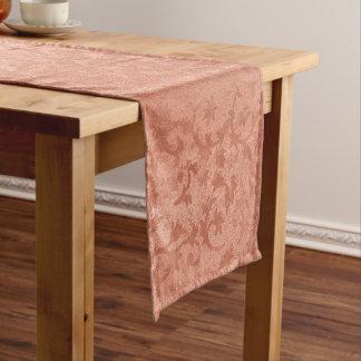 Chemin De Table Court Cru de relief par Faux rose d'or botanique