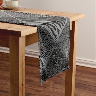 Chemin De Table Court Motifs géométriques animaux de safari gris