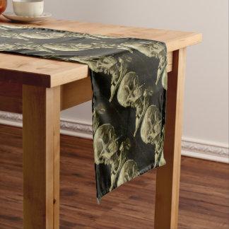 Chemin De Table Court Tête de Vincent van Gogh d'un squelette avec la