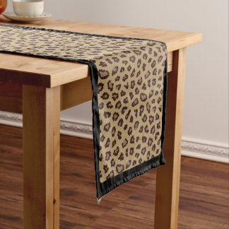 Chemin De Table Long Le léopard repère la fourrure animale avec la