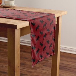Chemin De Table Moyen Les orignaux silhouettent sur le rouge