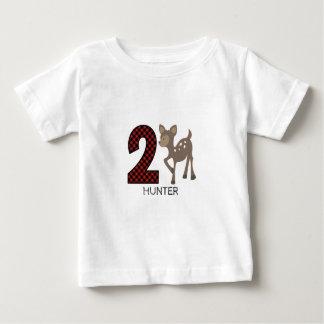 Chemise d'anniversaire de plaid de cerfs communs t-shirt pour bébé