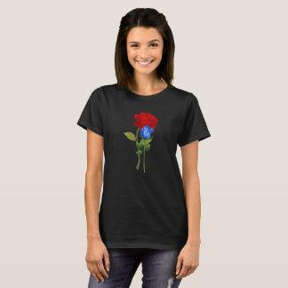 Chemise de rose rouge du bleu 2 t-shirt