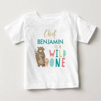 Chemise sauvage d'anniversaire d'ours tribal une t-shirt pour bébé