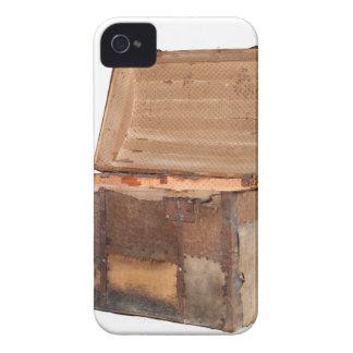 chest.jpg antique étuis iPhone 4