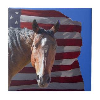 Cheval américain et drapeau quarts - patriotiques petit carreau carré