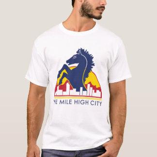 Cheval de haut de bleu de ville de mille