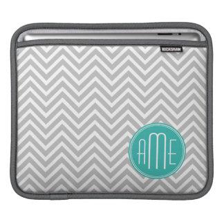 Chevron gris moderne élégant et monogramme en bon poche iPad