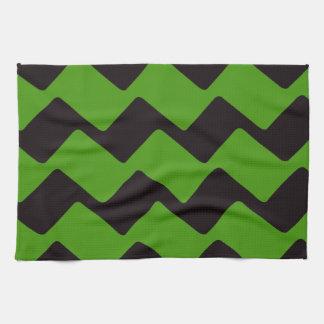 Chevrons onduleux noirs et verts pointus serviettes éponge