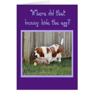 Chien, lapin, et oeuf drôles de la carte de Pâques