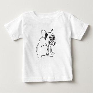 Chiot de bouledogue français dessinant le T-shirt