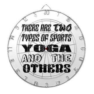 Cible De Fléchettes Il y a deux types de yoga et de d'autres de sports