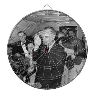 Cible De Fléchettes Lyndon B Johnson assermenté dedans