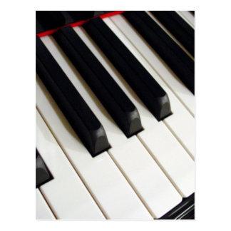 Clavier de piano carte postale