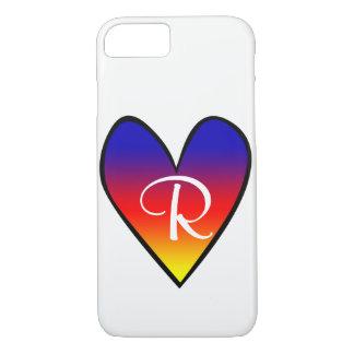 Coeur de gradient d'arc-en-ciel avec l'initiale coque iPhone 7