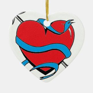 Coeur lance une flèche ornement cœur en céramique