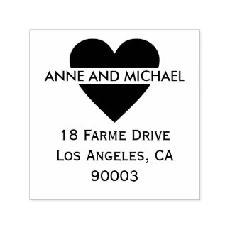 coeur noir avec des noms et l'adresse de couples tampon auto-encreur