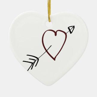Coeur simple avec la flèche passant par elle ornement cœur en céramique