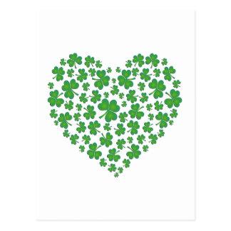 Coeur vert irlandais de shamrock carte postale