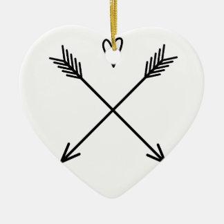Coeurs et flèches ornement cœur en céramique