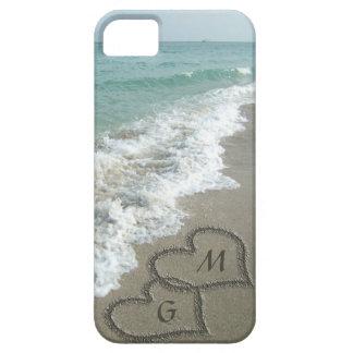 Coeurs personnalisés de sable sur la plage coque Case-Mate iPhone 5