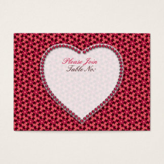 Coeurs rose-foncé épousant des cartes de Seat de