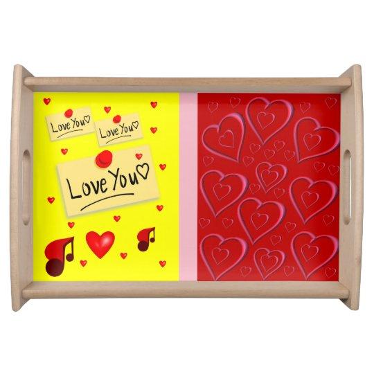 Coeurs rouges blancs de jour de Valentines servant Plateau