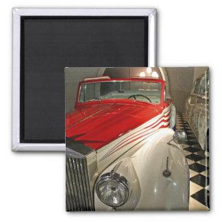 Collection de voiture dans la base de Liberace et Magnet Carré