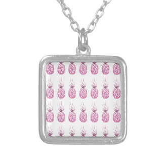 Collier Ananas roses