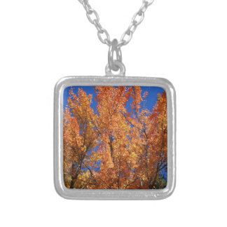 Collier Arbre orange du feu